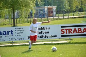 Fussball_maedchen_1